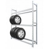 Стойка для хранения колес и покрышек